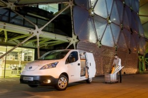 The e-NV200 vehicle – available as a light commercial van, passenger vehicle or taxi – will be shipped to countries across the globe